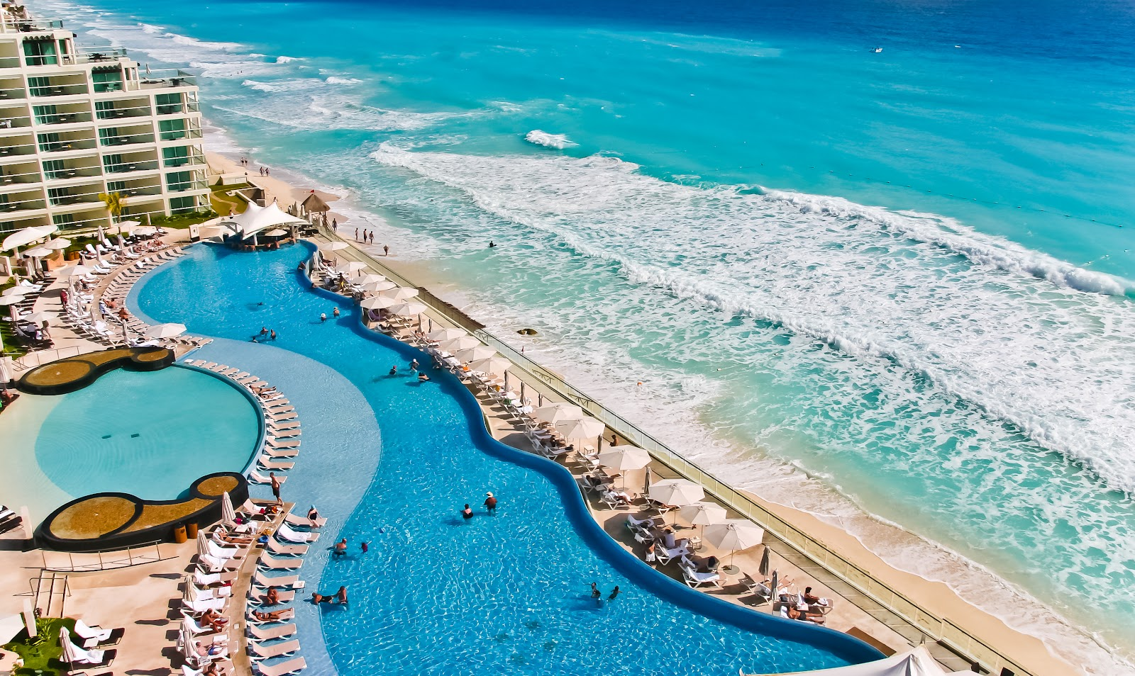 Luxury Resort On The Coast Of The Riviera Maya
